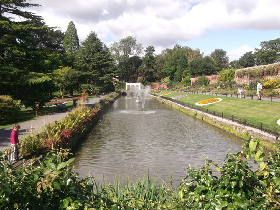Roundhay Park: Canal Gardens