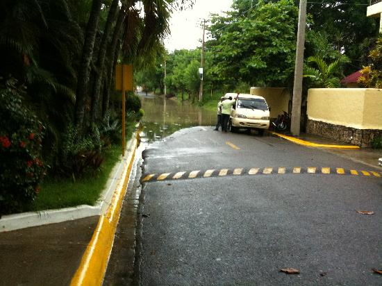 Hotel Celuisma Cabarete : Drains blocked at Hotel!