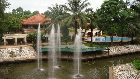 Pung-Waan Resort: the grounds