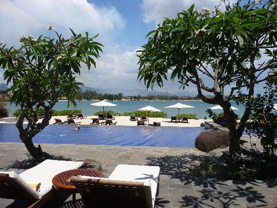 Villa picture of the oberoi mauritius pointe aux for Swimming pool mauritius