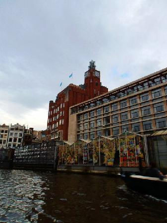 NH Carlton Amsterdam: The hotel and the flower market