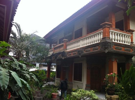 Seminyak Paradiso Hotel: block of four rooms, they're large!