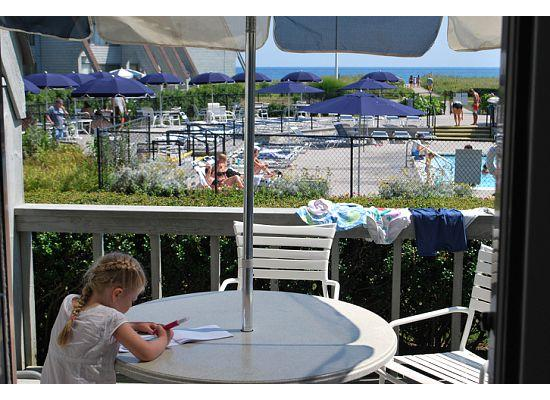 Surf Club Resort: Art on the Patio