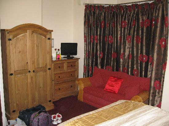 Gregory's Guest House: TV with freeview