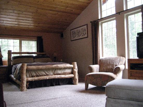 Meandering Moose Lodging: Master Suite view 2