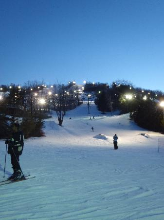 Blue Mountain Inn: Nigh skiing