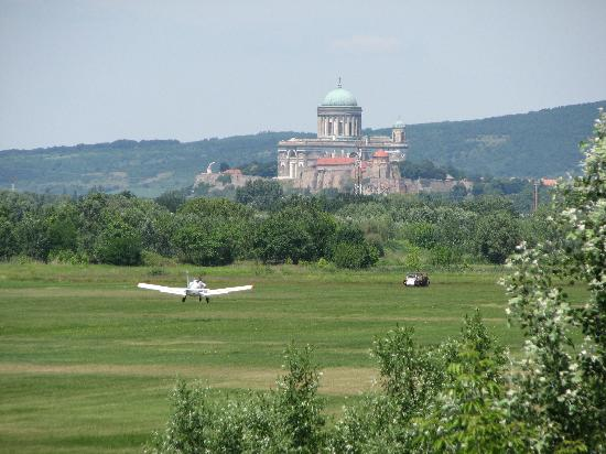 Caffe Grante Restaurant : The view from the restaurant (Cathedral in Esztergom)