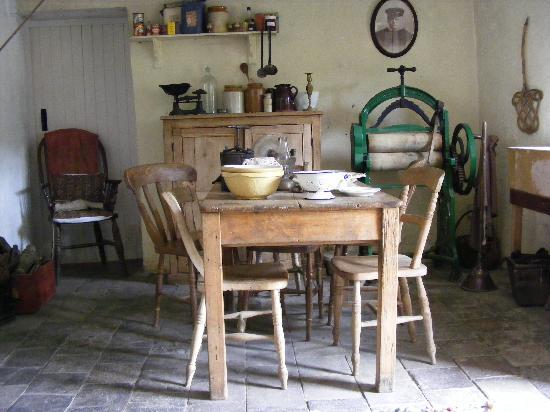 Morwellham, UK : Edwardian Farm - Ruth's cottage
