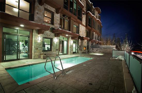 The Lowell Condominiums: Pool