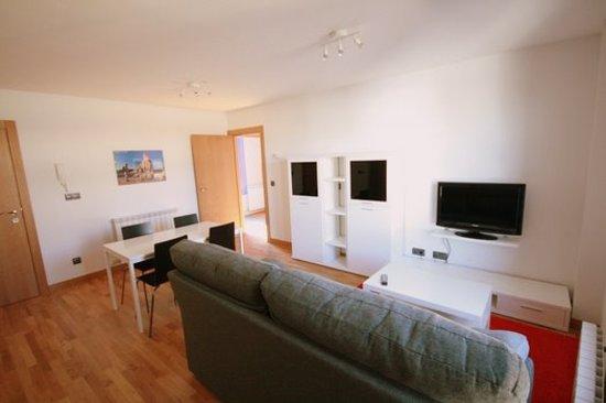 Apartamento Bardenas: Salón de uno de nuestros apartamentos
