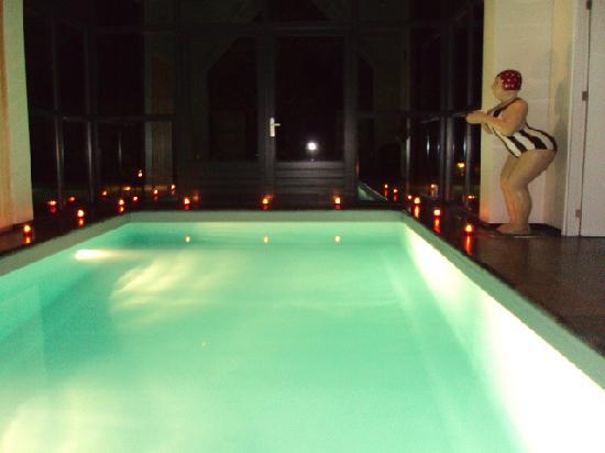 Zwembad foto van suite buitenverwachting dongen for Zwembad prive