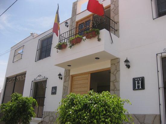 Hotel Villa Jazmin: Voorkant Hotel Villa Yazmin