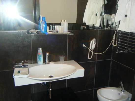 Hotel Caprice: a part of the bathroom