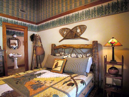 The River Lodge Bed and Breakfast: Mountain High Guest room