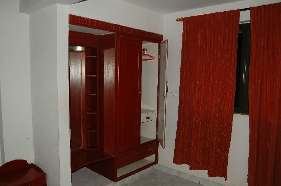 Wardobes in Royal Challet Mysore Non-A/c Room