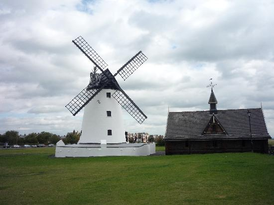 Sunnydale Hotel Blackpool: A nearby windmill, free to visit in pretty Lytham
