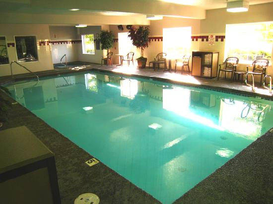 Best Western Plus Park Place Inn & Suites : Indoor pool