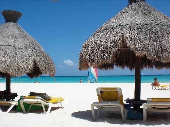 Iberostar Quetzal Playacar: View of beach