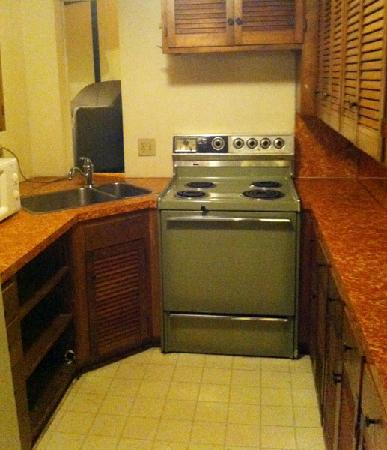 Columbus Motor Inn: Kitchen