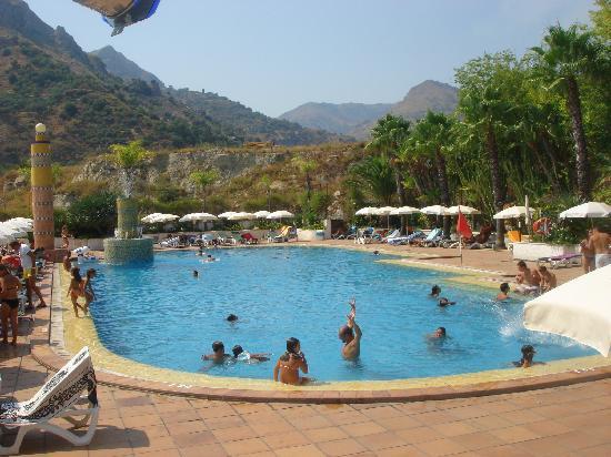 Открытый бассейн (Олимпо)