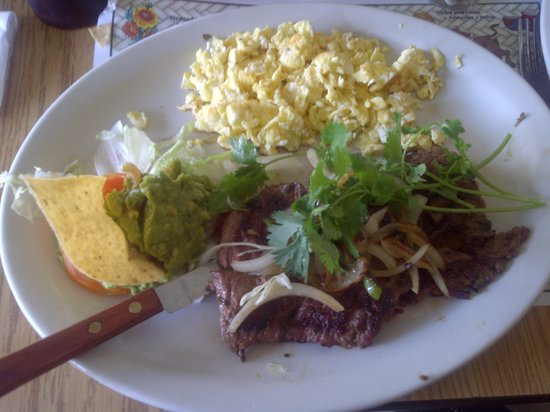 Mario's De La Mesa Restaurant: Yummy Carne Asada and Eggs cooked to order!