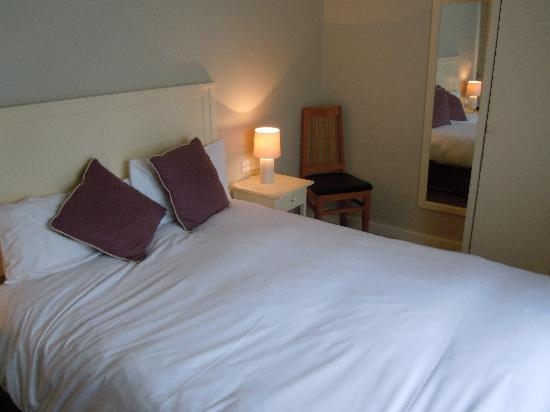 Loch Fyne Poole: Room & bed