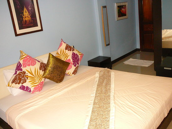 Tavee Guest House: chambre