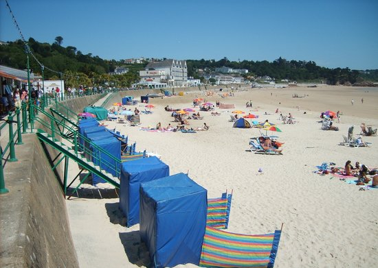 St. Brelade's Bay Beach : On the beach