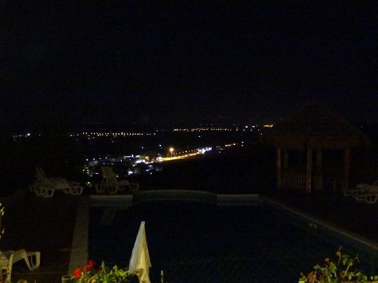 Acqua di Friso agriturismo calabria mare: Vista sulla piscina py night