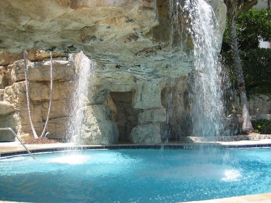 Hyatt Regency Sarasota: Another poolside view