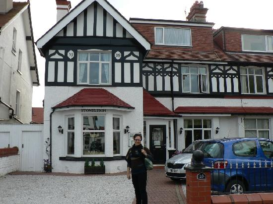 Stoneleigh Guest House: The hotel front