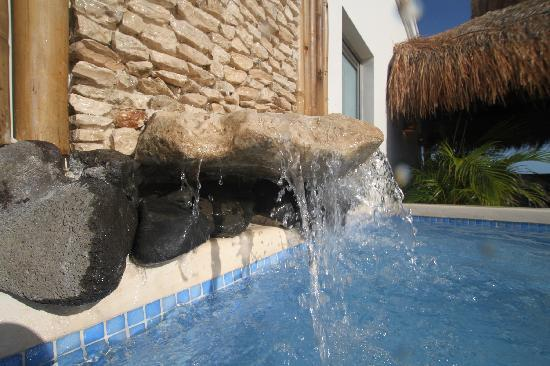 Arena Blanca: Rooftop terrace with waterfall plunge cool