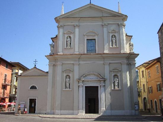 Hotel Garni Marina : Church of Torri del Benaco