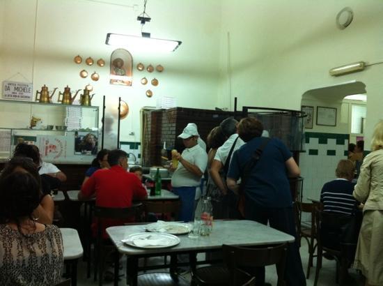 L'Antica Pizzeria da Michele: angolo cottura