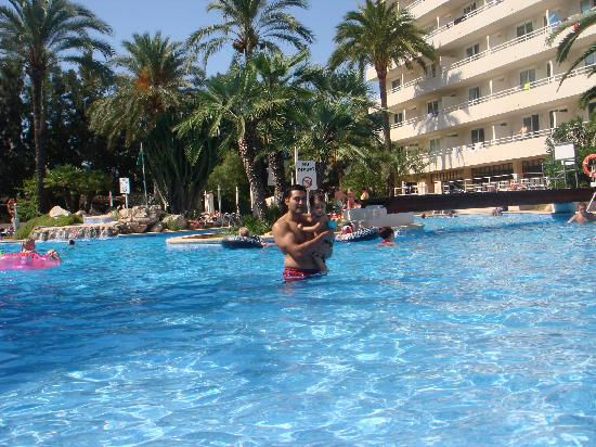 BCM Hotel: The pool
