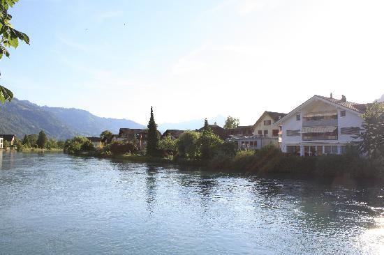 MyHotel Merkur: Lake Thun - Right Outside the Hotel