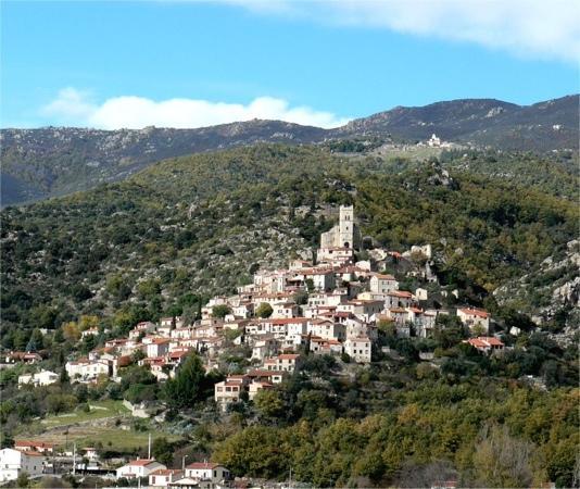 Cafe El Lluert: village d'Eus