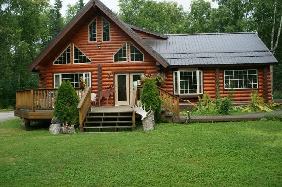 Meandering Moose Lodging: Main cabin