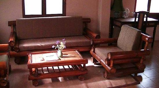 Yaowawit School/Lodge : Sofa in Room