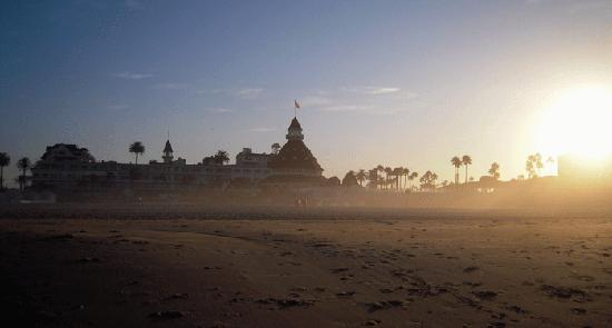 Hotel del Coronado: The sun rises over Hotel Del.