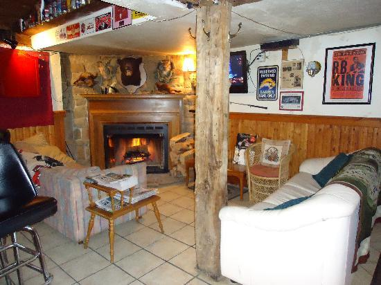 Riley's Bar and Restaurant : Warm up by the fire in our lounge area