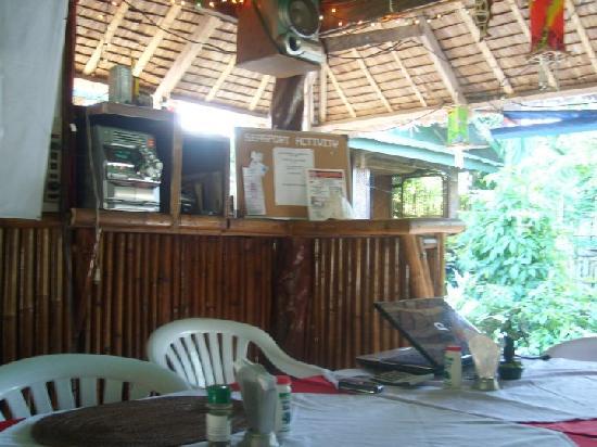 Frendz Resort and Hostel Boracay: the receiption