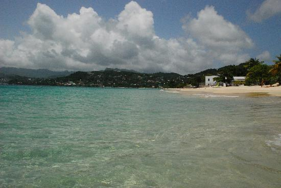South Coast, Grenada: Clear blue waters