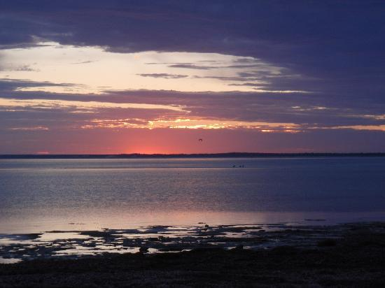 Point Turton Caravan Park : Sunrise from the foreshore