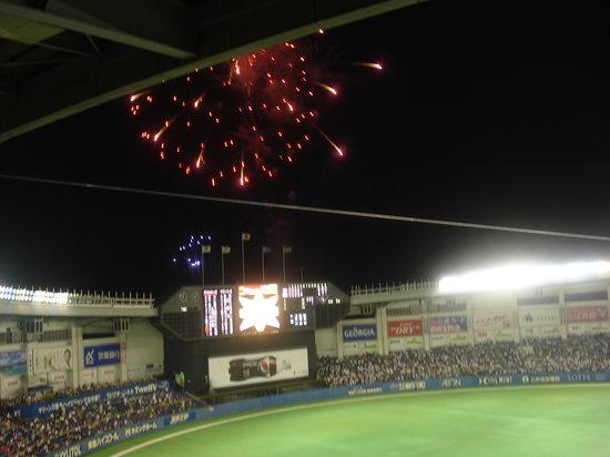 Chiba Marine Stadium: 5回終了後の花火