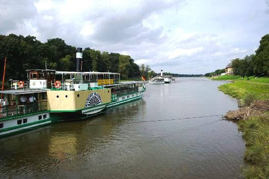 Hotel Elbiente: Steamboat from Rathan to Dresden