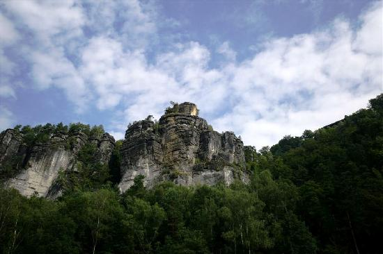 Hotel Elbiente: The bluffs above Rathan from the river