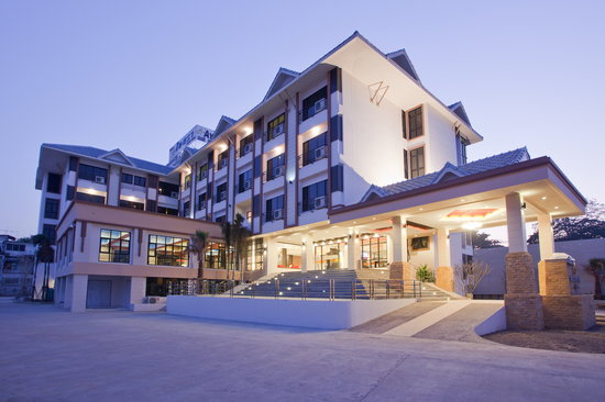 アヤラ グランド パレス ホテル
