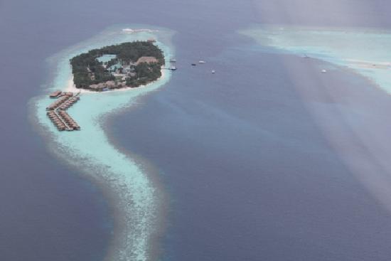 Constance Halaveli: Maldive Areal shot from sea plane
