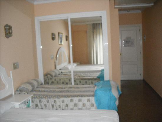Hotel Jimesol: habitación